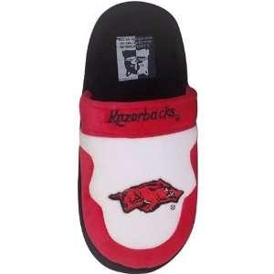Arkansas Razorback Mens House Shoes Slippers:  Sports