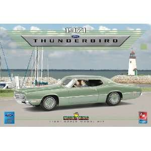 AMT 1/25 1971 Ford Thunderbird (Ltd Production) Kit: Toys