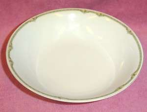 HR Bavaria Hutschenreuther Selb Rose Round Vegetable Serving Bowl
