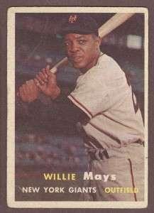 1957 Topps Baseball #10 Willie Mays Card   New York Giants