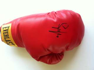 MARK WAHLBERG SIGNED BOXING GLOVE VIDEO PROOF THE FIGHTER AUTOGRAPH