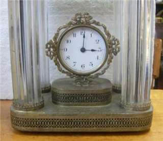 Thomas mantle clock   Working order Amazing metal / glass rods