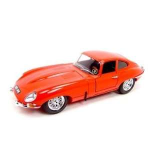 1961 JAGUAR E TYPE CABRIOLET RED 1:18 DIECAST MODEL