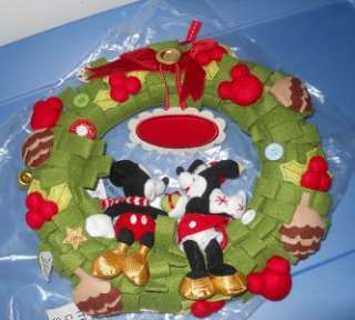 Disney Classic Mickey Minnie Christmas Holiday Wreath NEW