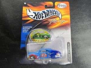 Hot Wheels Racing NASCAR 2001 Tail Dragger STP / 074299289675