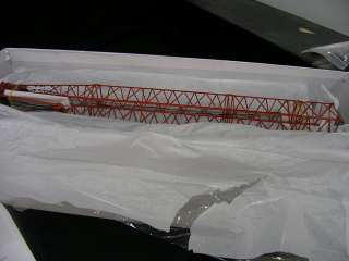 Manitowoc M 250 Crawler Crane by Classic Construction Models 1:48