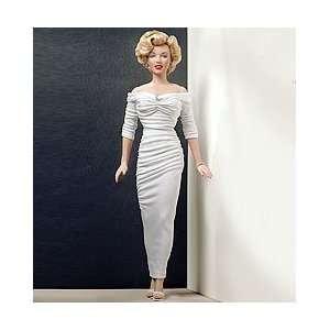 Marilyn Monroe Vinyl Portrait Doll   Cover Queen