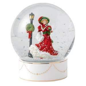 ROYAL DOULTON FIGURINE SNOW GLOBE CHRISTMAS NIGHT HN 5522