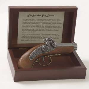 THE GUN THAT SHOT LINCOLN BOX SET NON FIRING REPLICA GUN