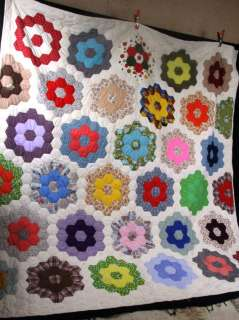 L57 VINTAGE 1920s 1930s GRANDMOTHERS FLOWER GARDEN QUILT